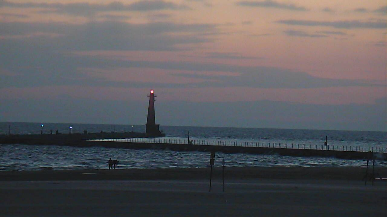 Muskegon area fishing report 8 7 14 muskegon surf cam for Grand haven fishing report